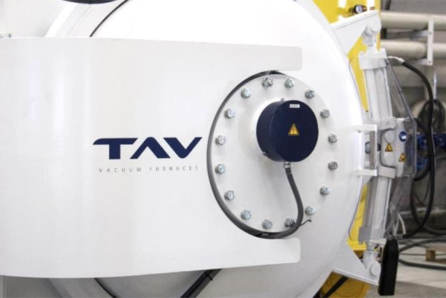 How to avoid damaging your vacuum furnace water cooling system?